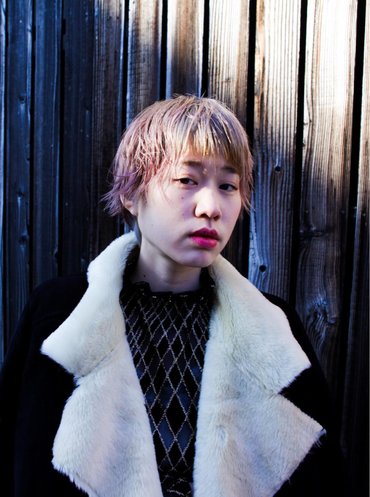 ショート 小顔 くせ毛風 ヘアアレンジ ヘアスタイルや髪型の写真・画像