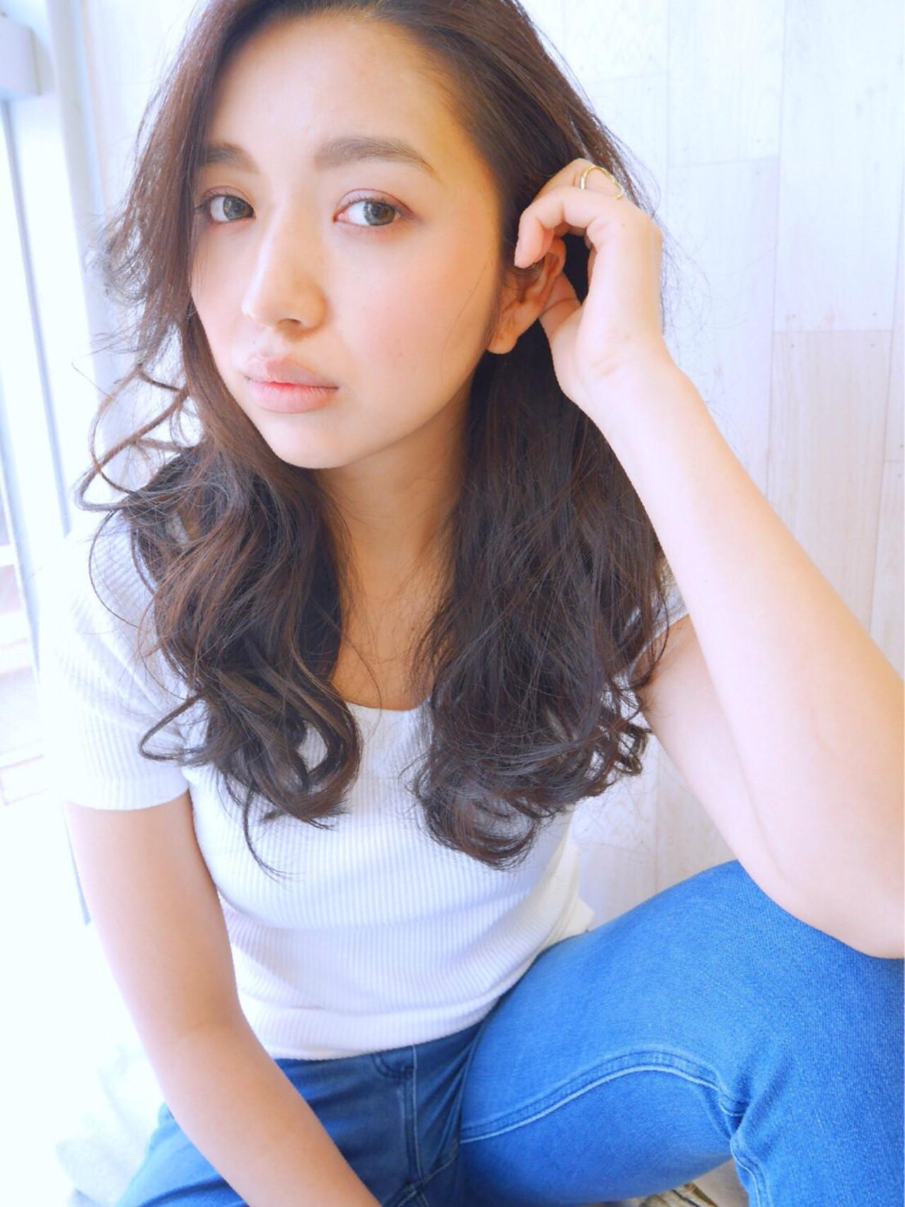 外国人風カラー ロング グレージュ アッシュ ヘアスタイルや髪型の写真・画像 | YUKA /