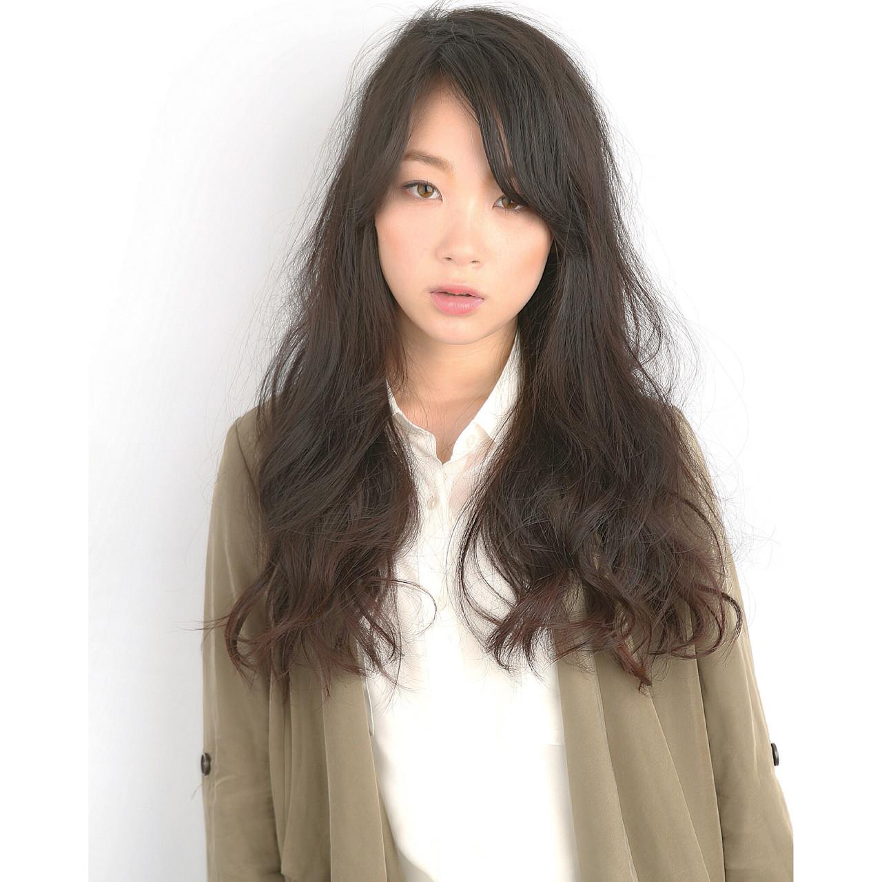 モード 暗髪 ロング 抜け感 ヘアスタイルや髪型の写真・画像 | 池田 コウイチ / SARAJU三田店