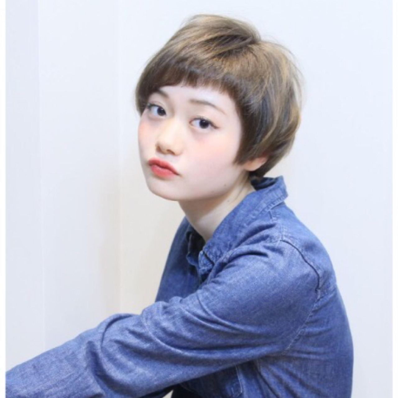 ベリーショート オン眉 ナチュラル ショート ヘアスタイルや髪型の写真・画像