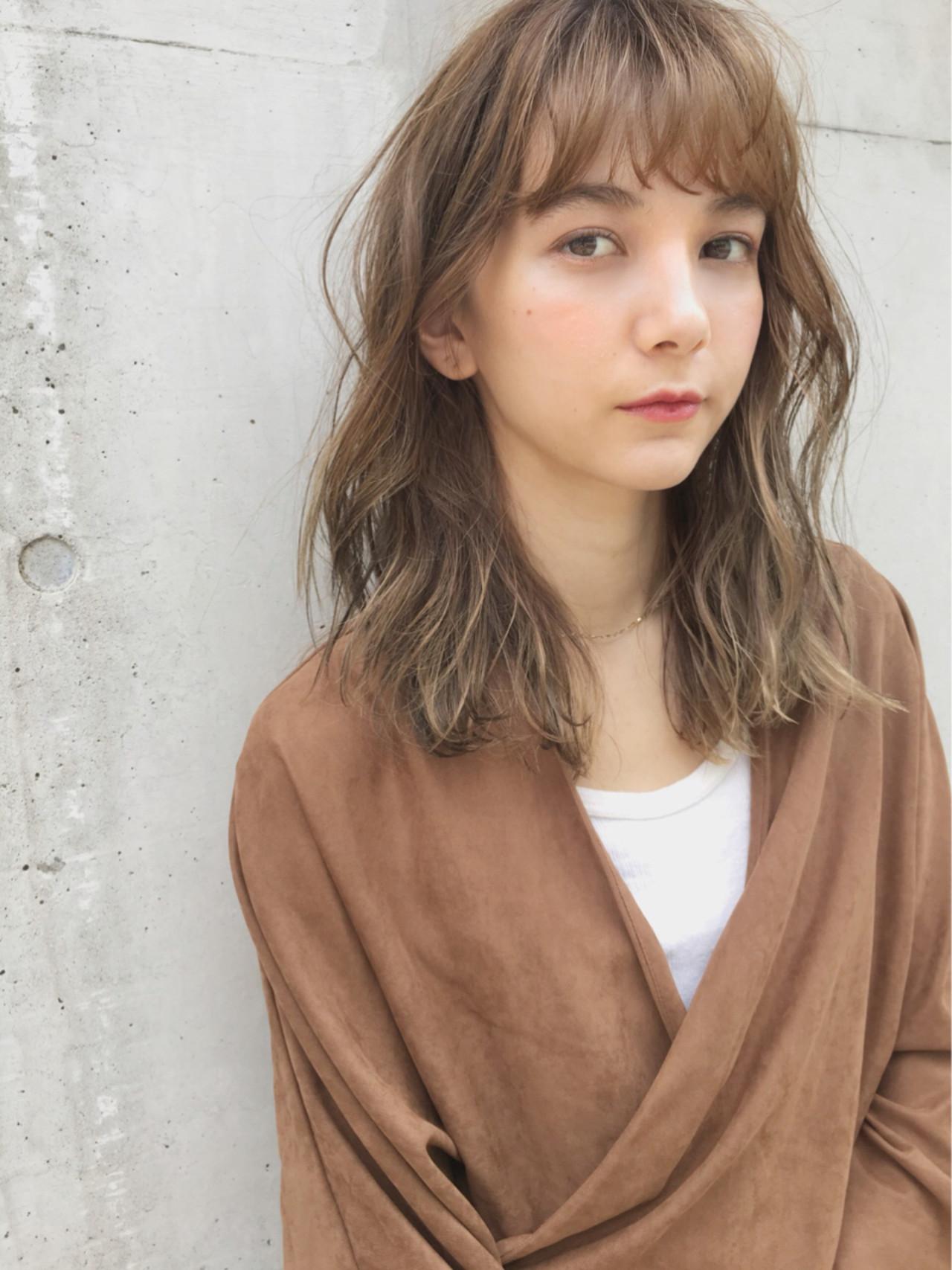 大人かわいい セミロング ガーリー デート ヘアスタイルや髪型の写真・画像