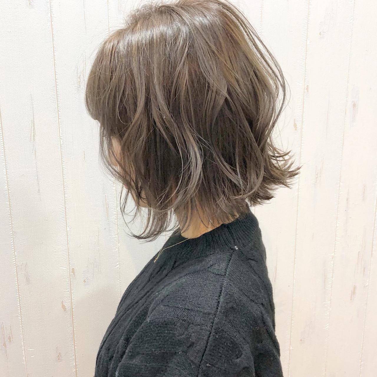 ボブ フェミニン パーマ 簡単ヘアアレンジ ヘアスタイルや髪型の写真・画像