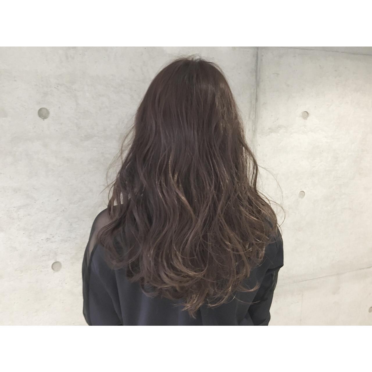 暗髪 アッシュ 外国人風 ゆるふわ ヘアスタイルや髪型の写真・画像   Sayaka / diptyMOILA