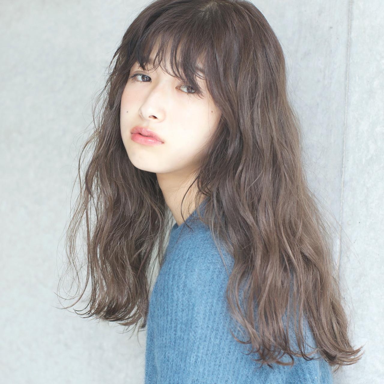 グレージュ 外国人風カラー ゆるふわ リラックス ヘアスタイルや髪型の写真・画像 | 佐脇 正徳 / LOAVE AOYAMA(ローヴ アオヤマ)