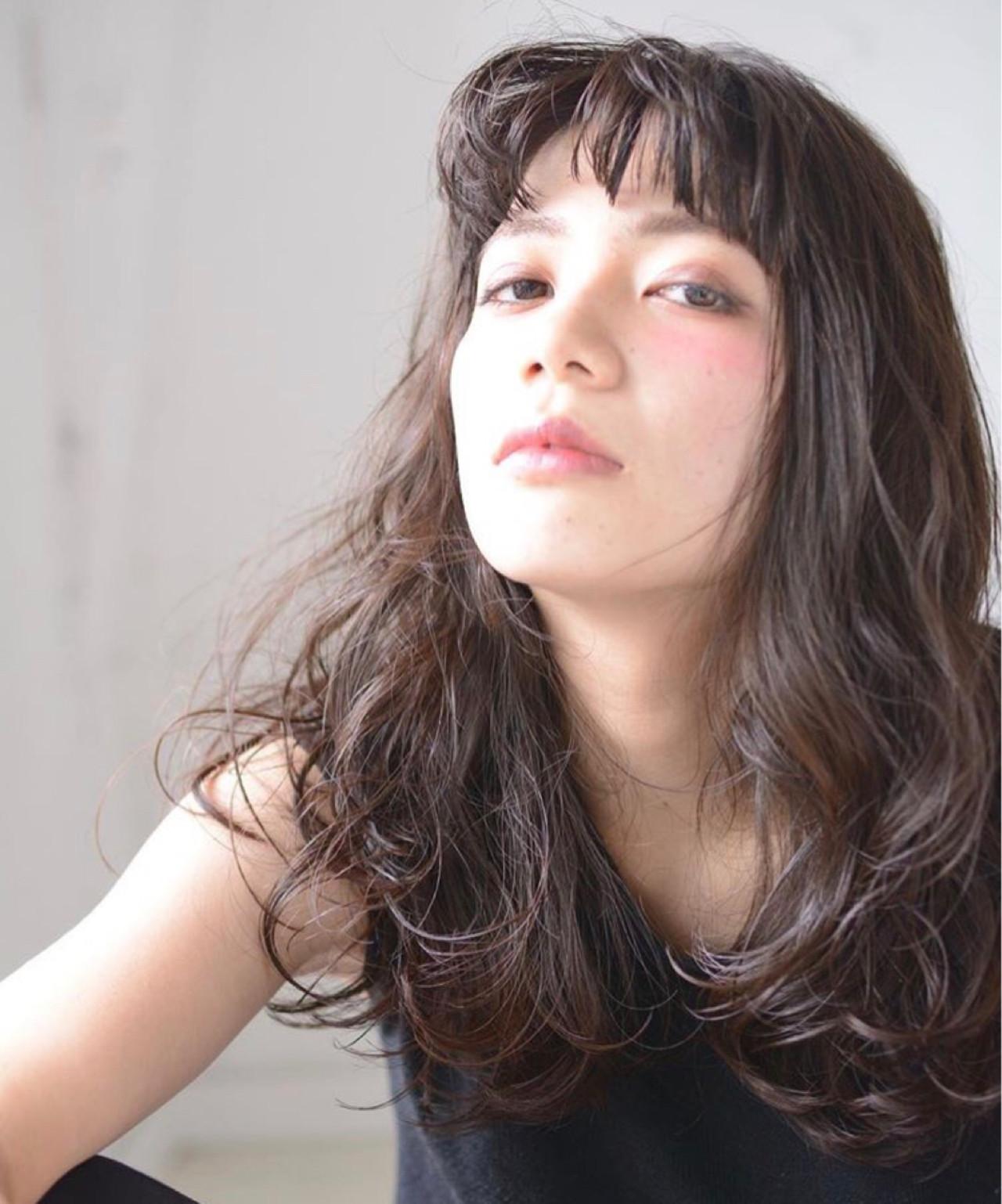 ロング ラフ 大人女子 外国人風 ヘアスタイルや髪型の写真・画像