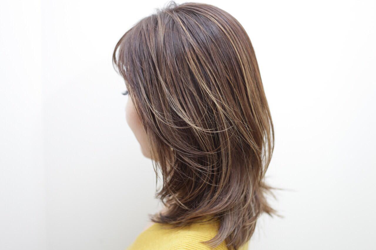 ミディアム イエロー ハニーベージュ ローライト ヘアスタイルや髪型の写真・画像