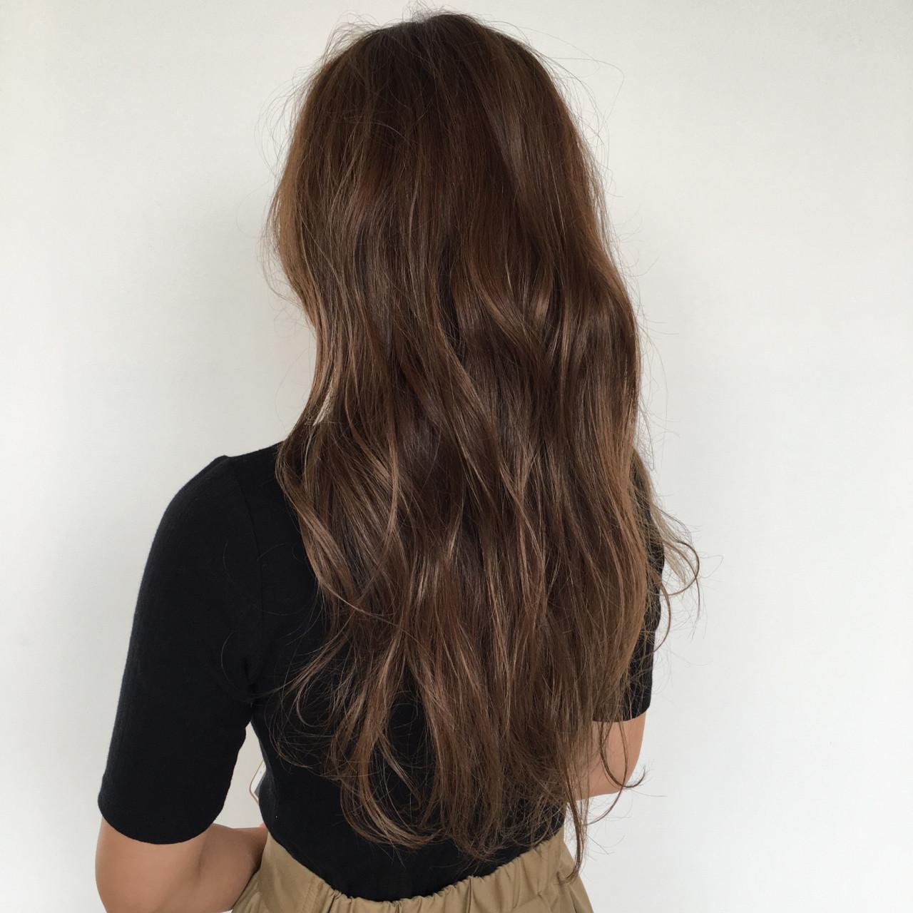 透明感 ロング ゆるふわ グレージュ ヘアスタイルや髪型の写真・画像 | ナカヤマアツヒト / Az