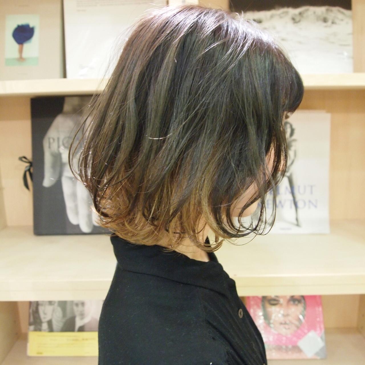 ポイントカラー デザインカラー モード ボブ ヘアスタイルや髪型の写真・画像