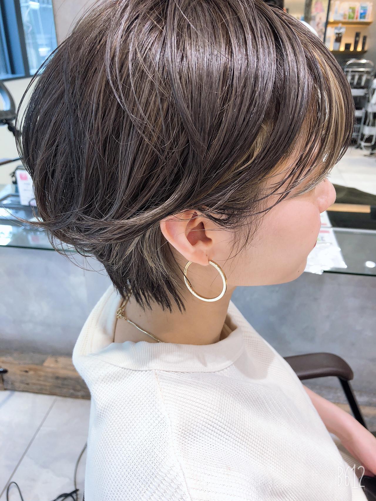 外国人風カラー ショート アンニュイほつれヘア ナチュラル ヘアスタイルや髪型の写真・画像