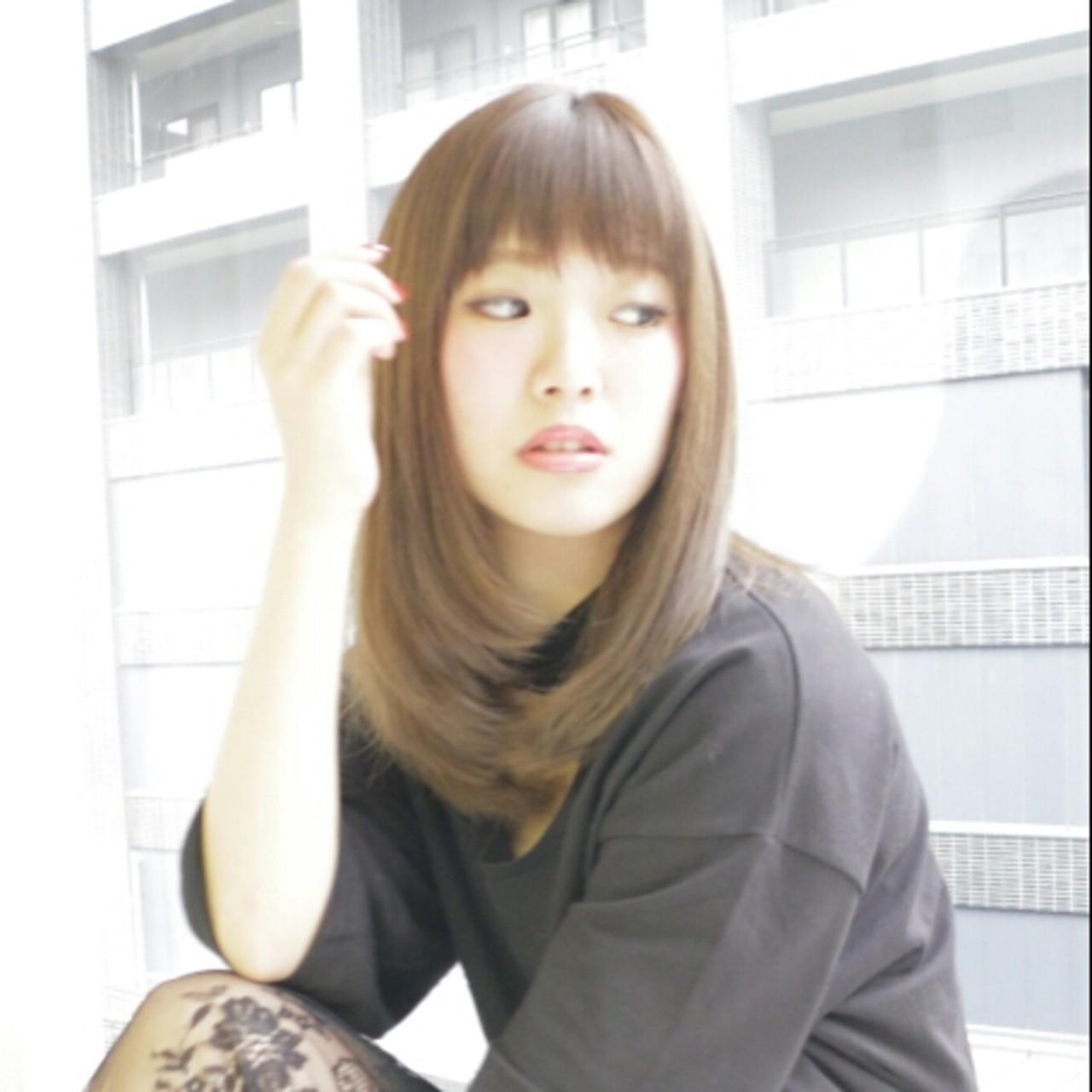 グラデーションカラー セミロング アッシュ フェミニン ヘアスタイルや髪型の写真・画像 | 澤近 直輝 / grace by afloat