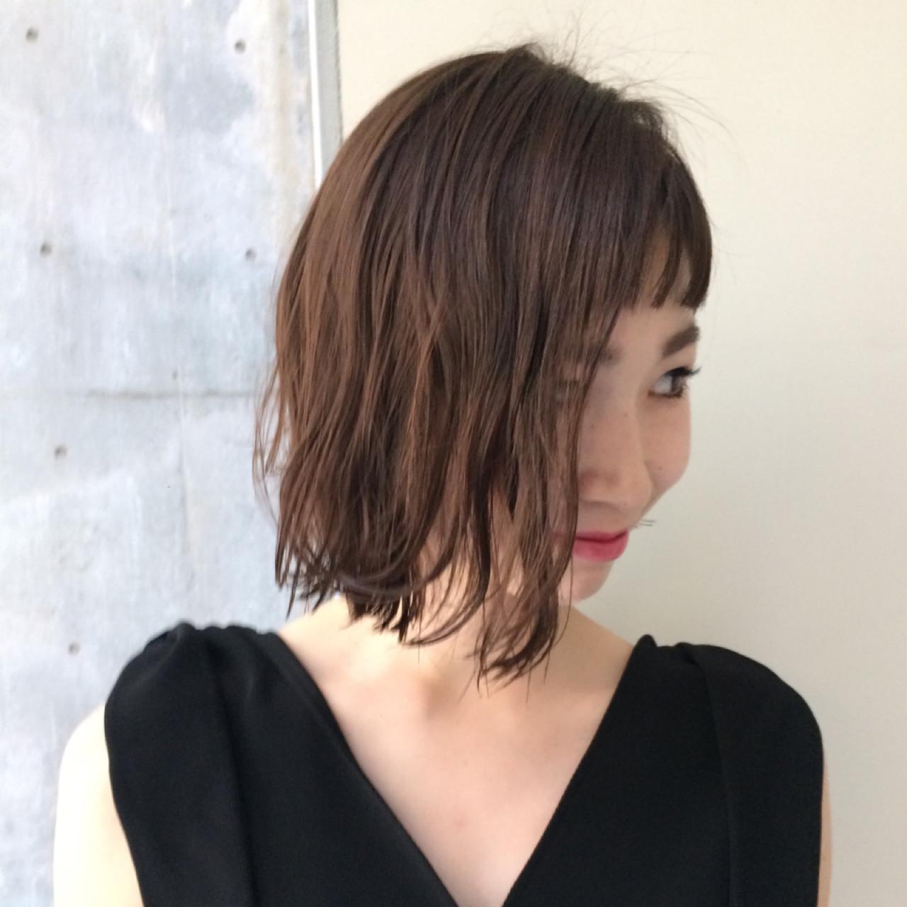 ニュアンス モード ダブルバング レイヤーカット ヘアスタイルや髪型の写真・画像 | Sachiko Handa / assort