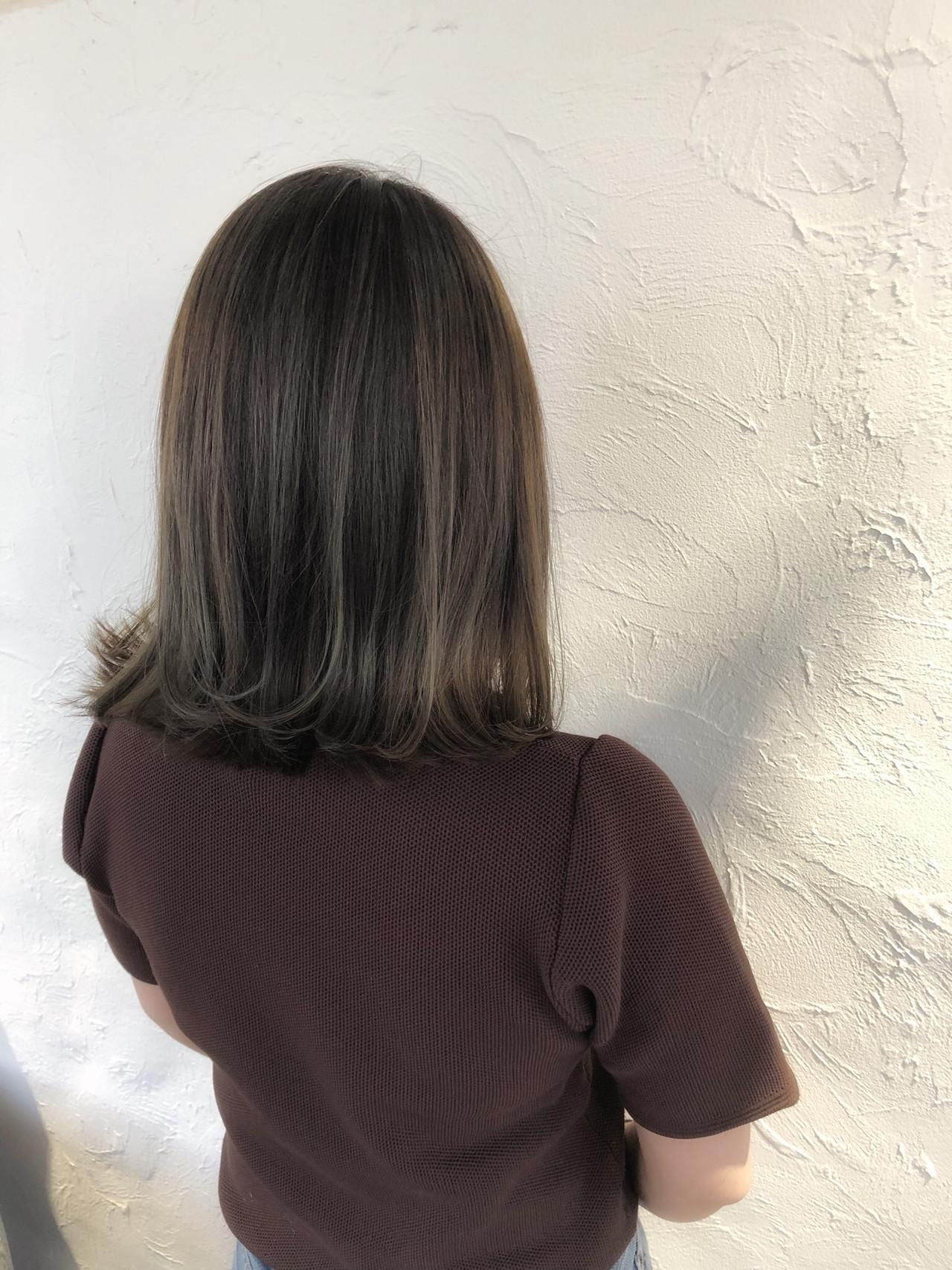 大人ハイライト ハイライト ナチュラル ブリーチカラー ヘアスタイルや髪型の写真・画像