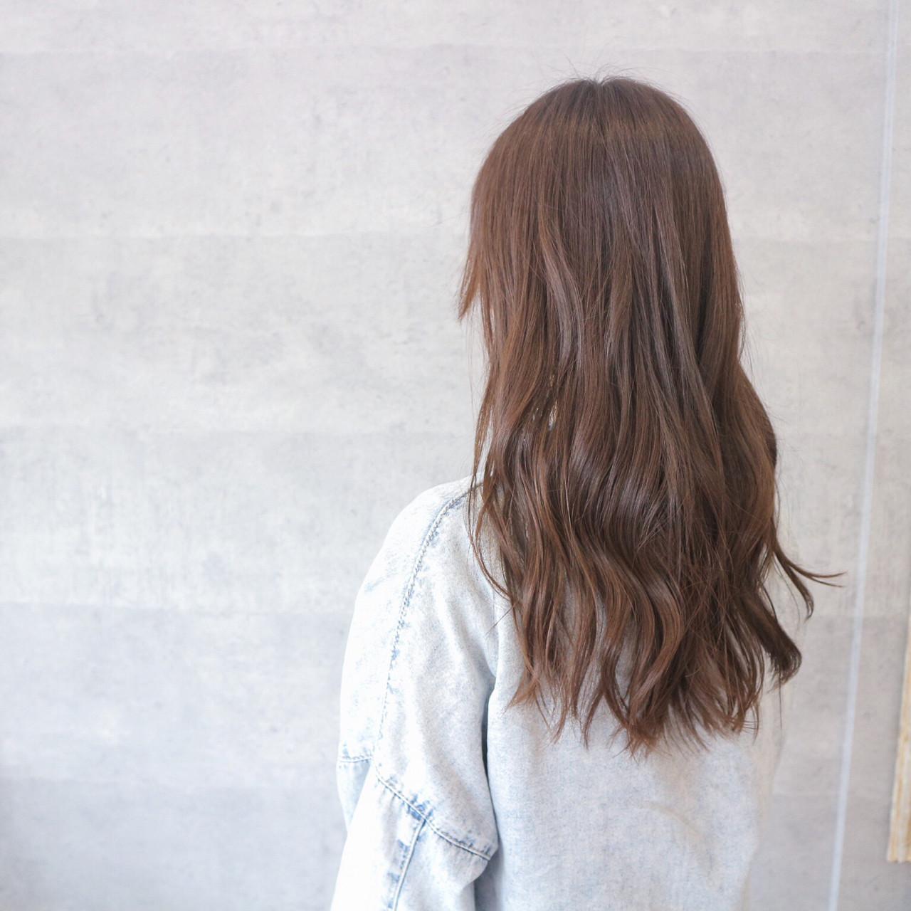 グレージュ こなれ感 リラックス ナチュラル ヘアスタイルや髪型の写真・画像