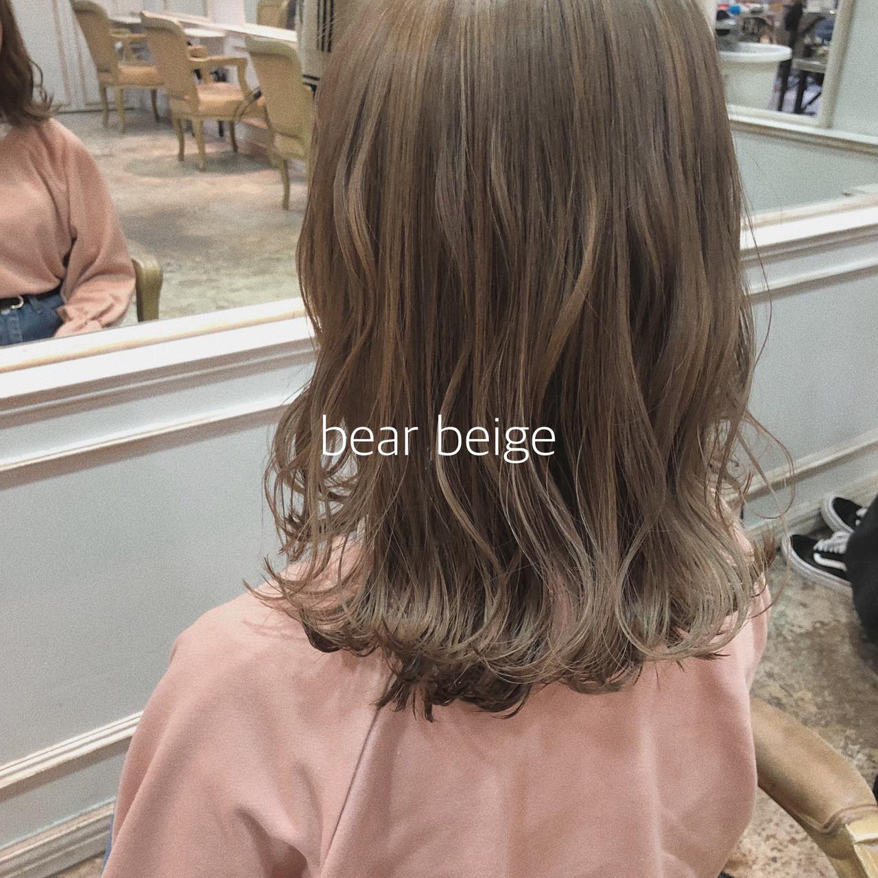 ヘアアレンジ ミルクティーベージュ イルミナカラー ナチュラルベージュ ヘアスタイルや髪型の写真・画像