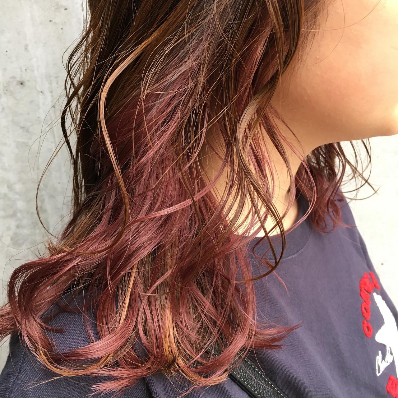 ピンクアッシュ セミロング ラベンダーピンク ナチュラル ヘアスタイルや髪型の写真・画像