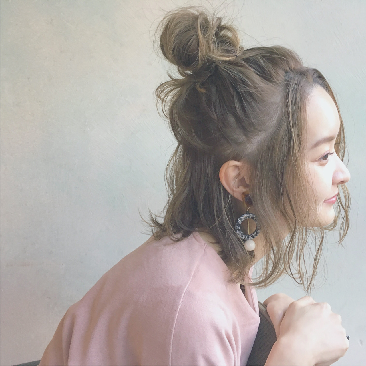 キャップと相性が良い髪型は?とっておき可愛いヘアスタイルをPickUp  秋山 絵梨香 / DECO | DECO
