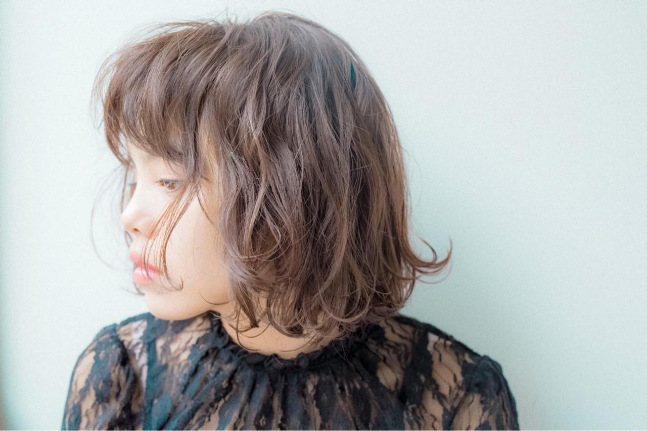 外国人風 ウェーブ ウェットヘア 暗髪 ヘアスタイルや髪型の写真・画像 | 渡辺 フミヤ / Cafune by Garland