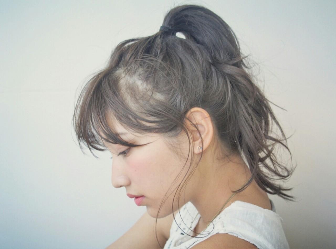 リラックス ミディアム アッシュ ヘアアレンジ ヘアスタイルや髪型の写真・画像