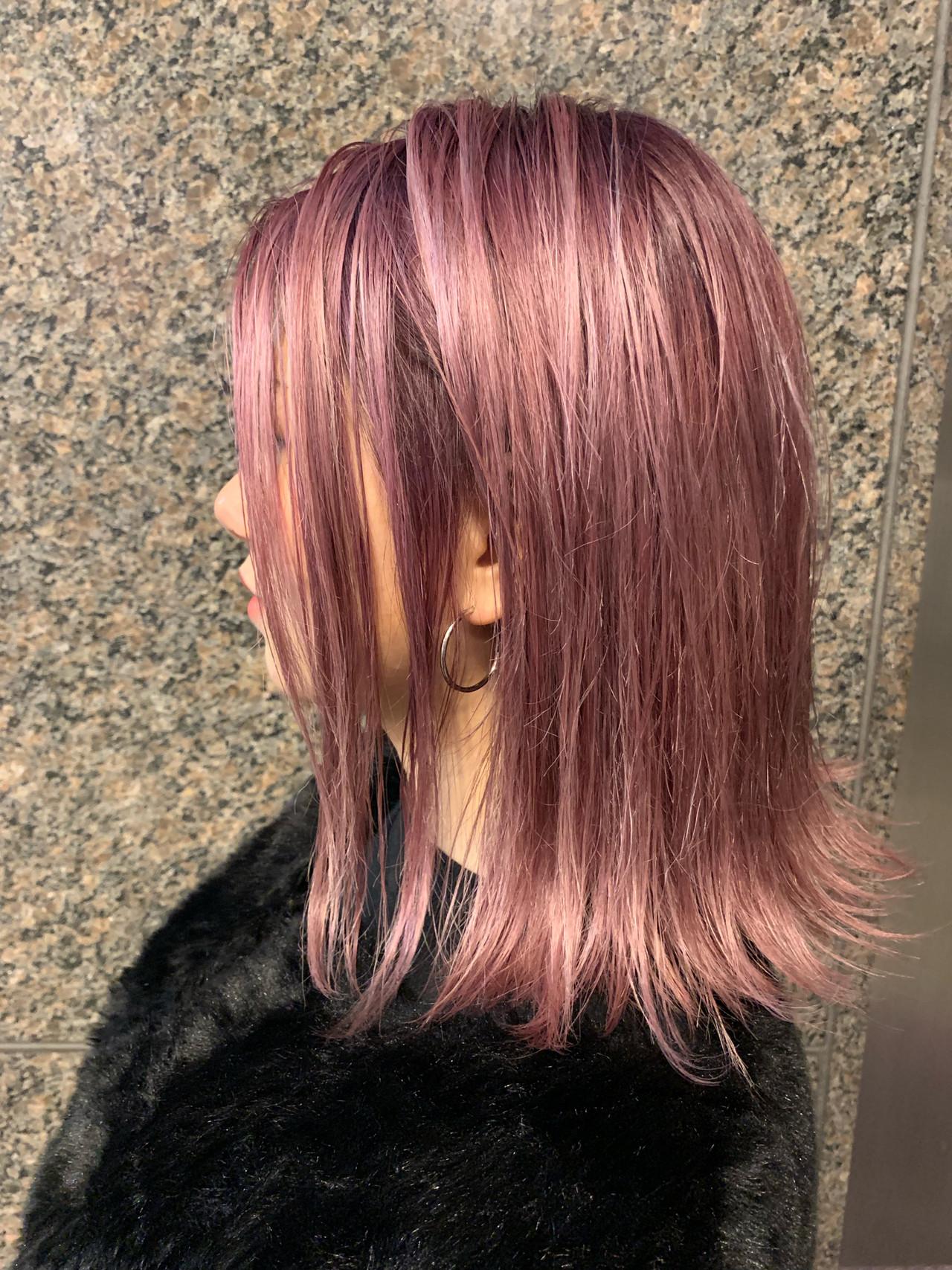 ピンクアッシュ グラデーションカラー コリアンピンク ピンク ヘアスタイルや髪型の写真・画像