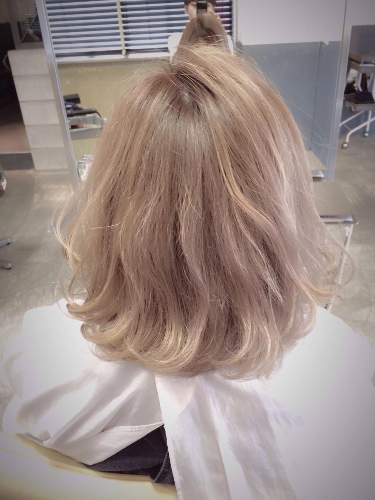 ハイトーン グラデーションカラー ストリート ミディアム ヘアスタイルや髪型の写真・画像