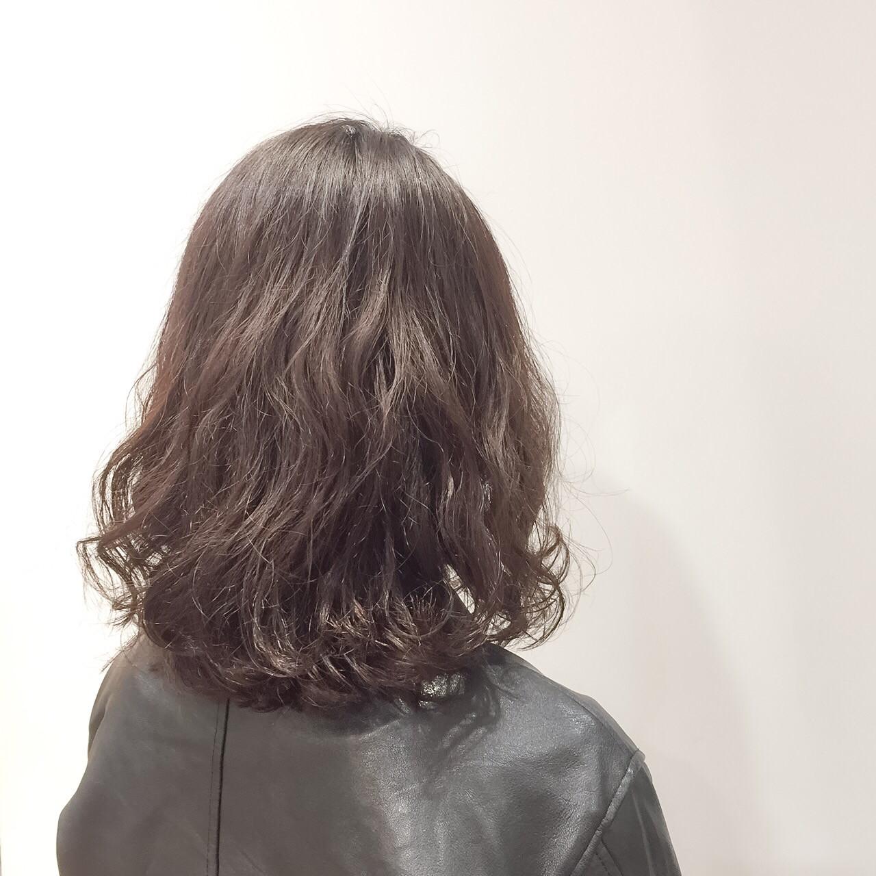 ウェーブ ナチュラル ボブ アッシュ ヘアスタイルや髪型の写真・画像