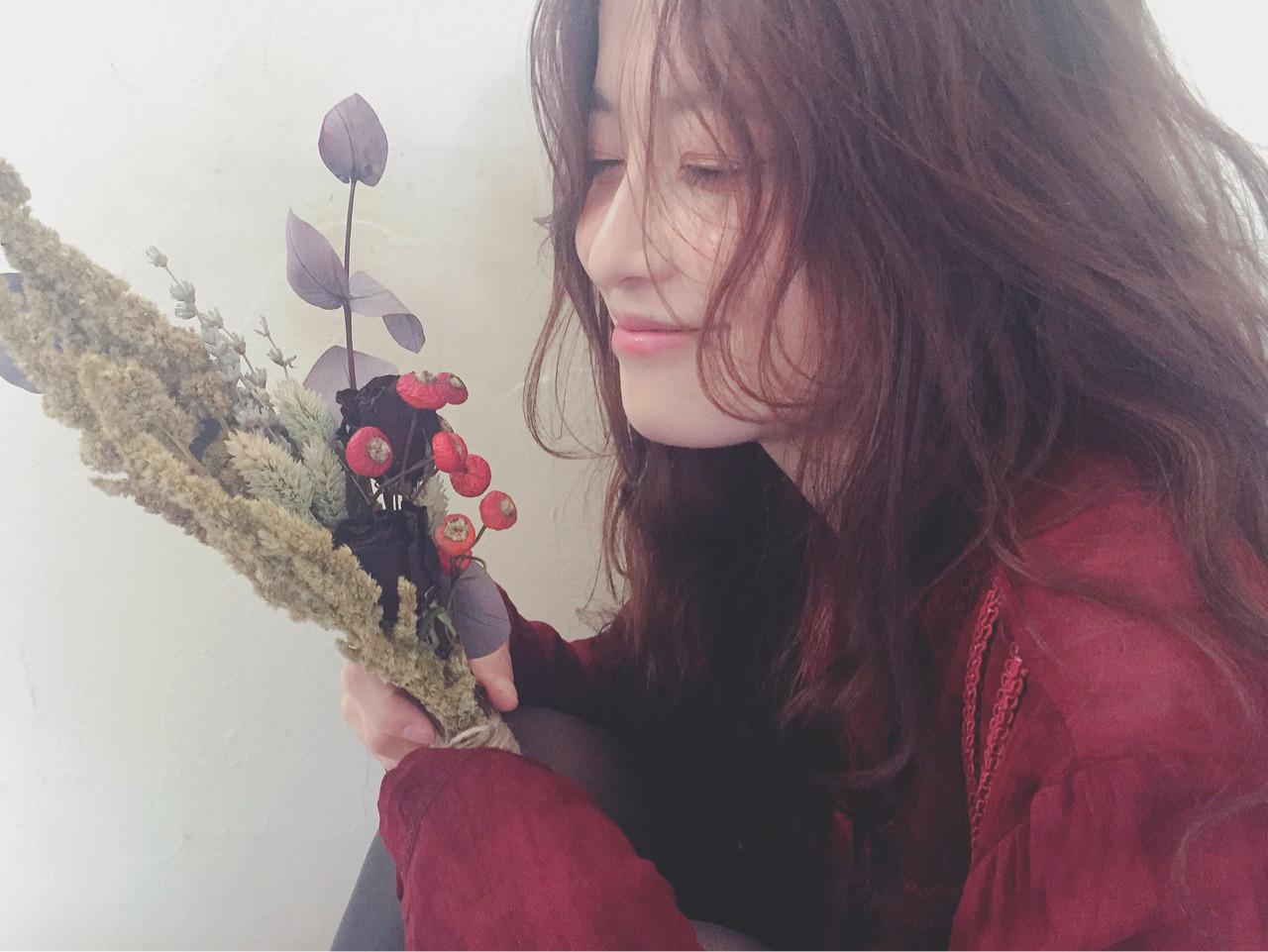 ロング クリスマス アンニュイ デート ヘアスタイルや髪型の写真・画像   Mirai / enntaku