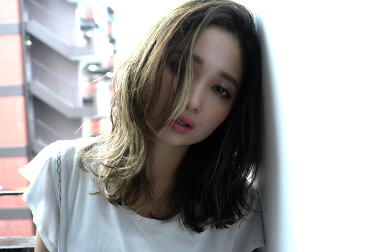 暗髪 グラデーションカラー 大人かわいい アッシュ ヘアスタイルや髪型の写真・画像 | 西尾 隆介 / Labyrinth