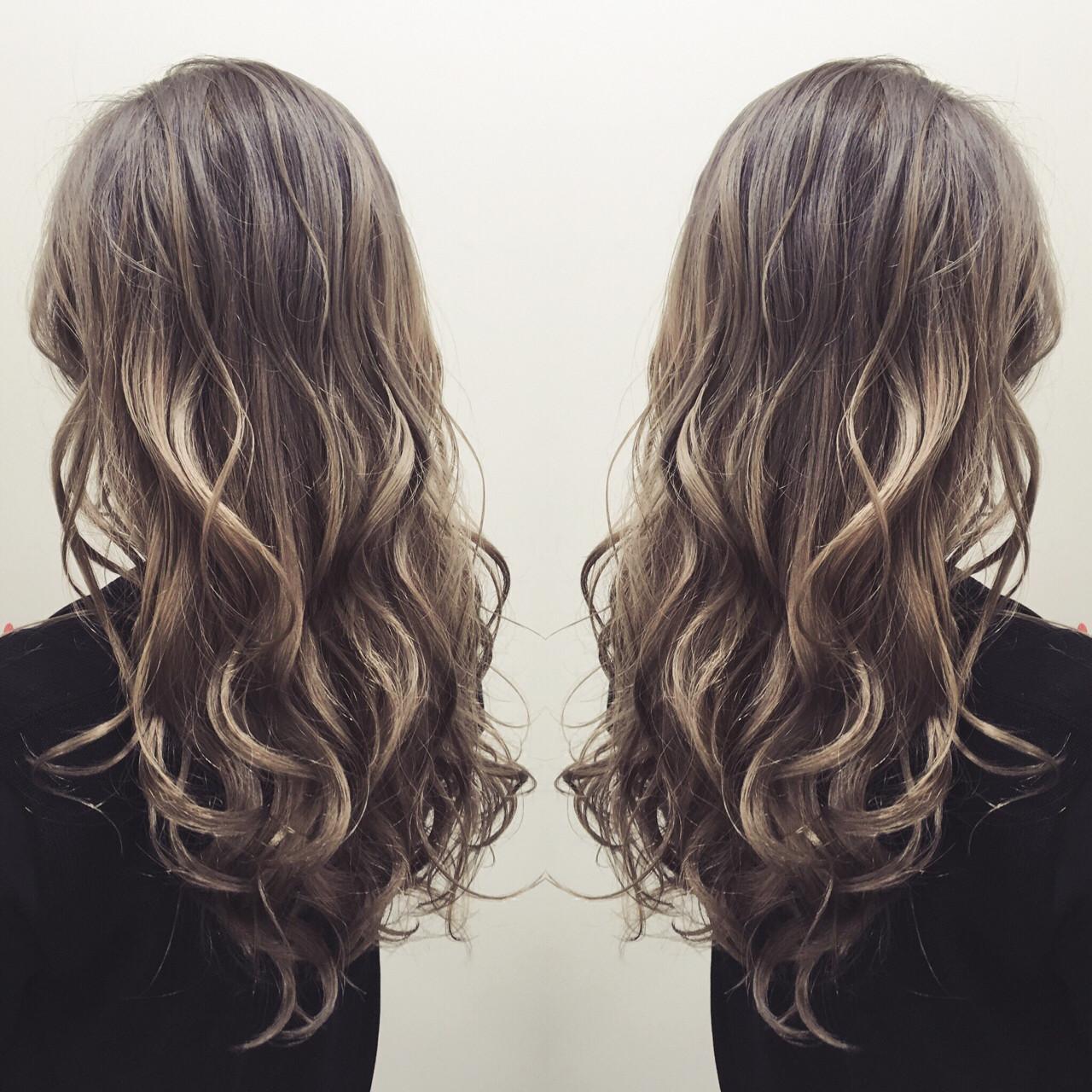 グラデーションカラー ガーリー ロング アッシュ ヘアスタイルや髪型の写真・画像