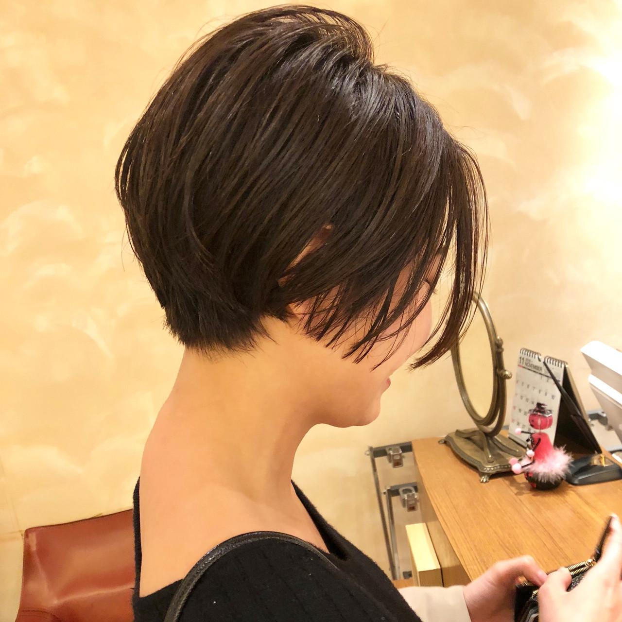 美シルエット モード ショートボブ 簡単スタイリング ヘアスタイルや髪型の写真・画像