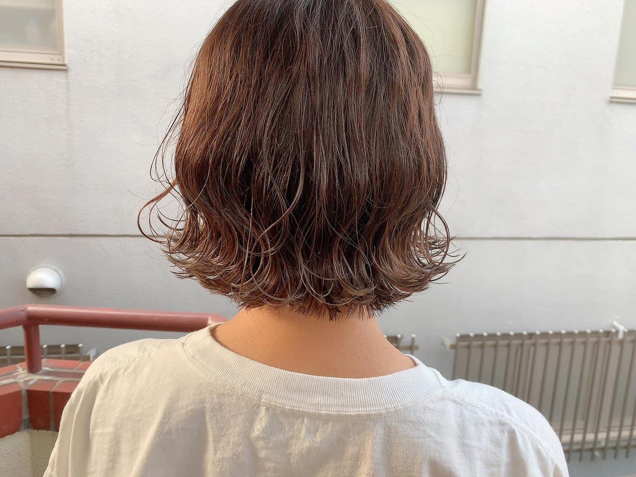 ナチュラル ミニボブ 切りっぱなしボブ アッシュベージュ ヘアスタイルや髪型の写真・画像