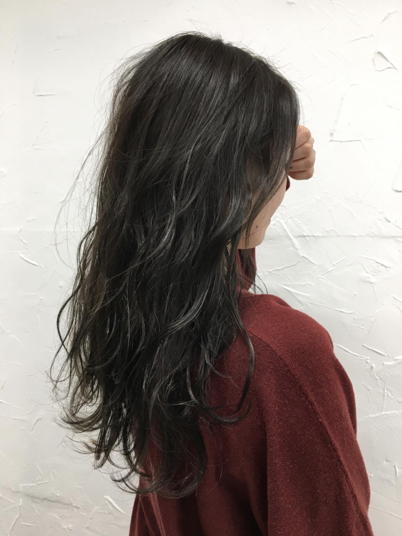 大人かわいい グレージュ アッシュ 外国人風 ヘアスタイルや髪型の写真・画像