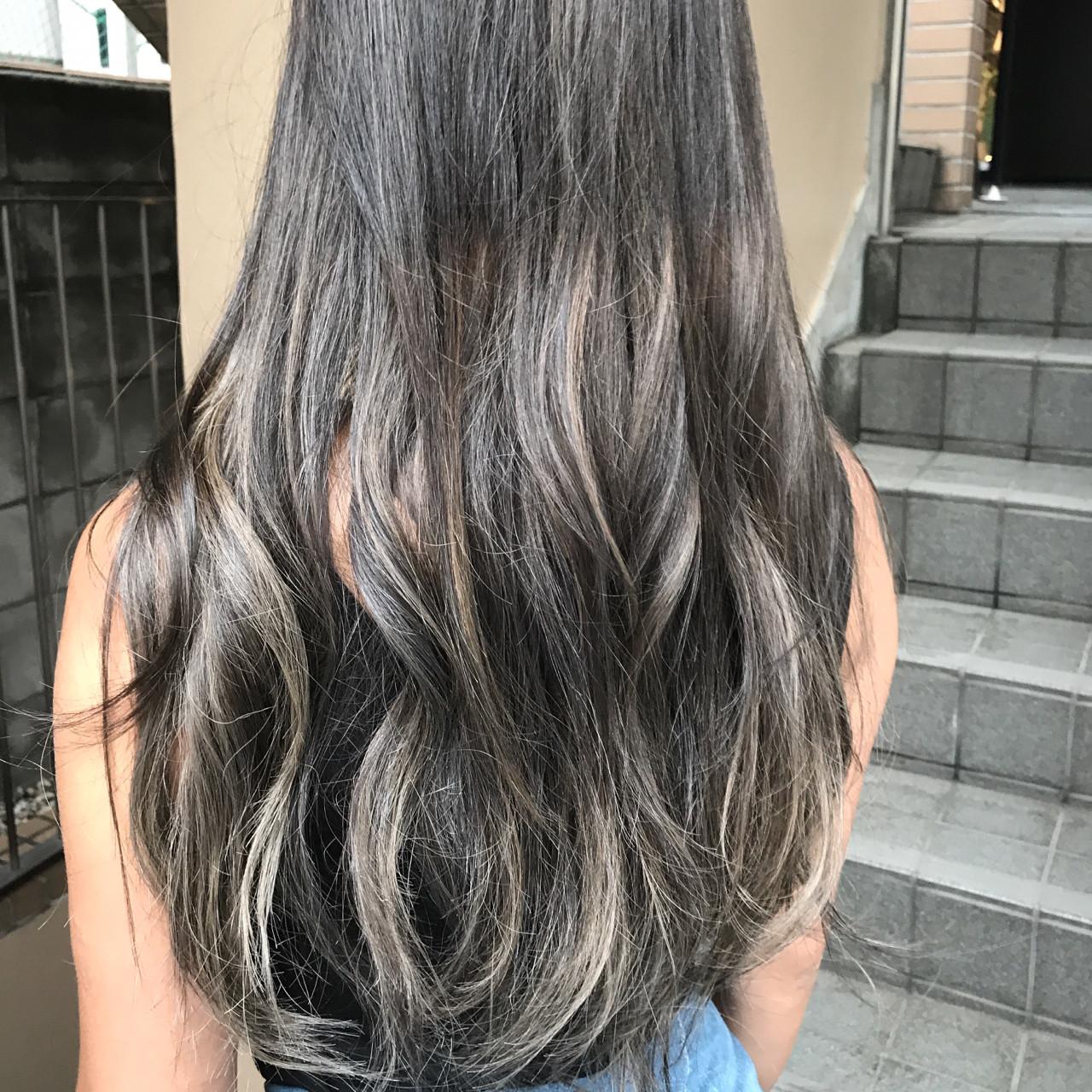 波ウェーブ 外国人風 グラデーションカラー ハイライト ヘアスタイルや髪型の写真・画像