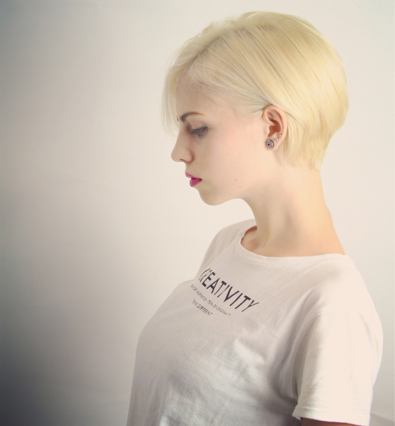 フェミニン アッシュ 外国人風 レイヤーカット ヘアスタイルや髪型の写真・画像