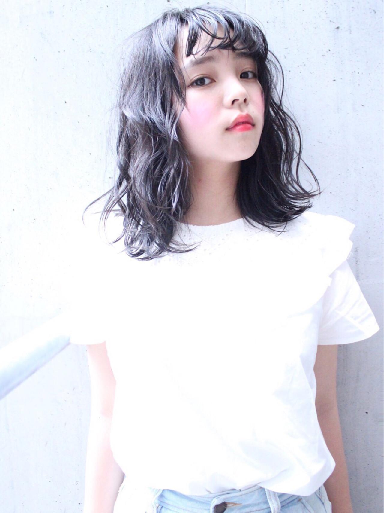 黒髪 暗髪 ショートバング ゆるふわ ヘアスタイルや髪型の写真・画像