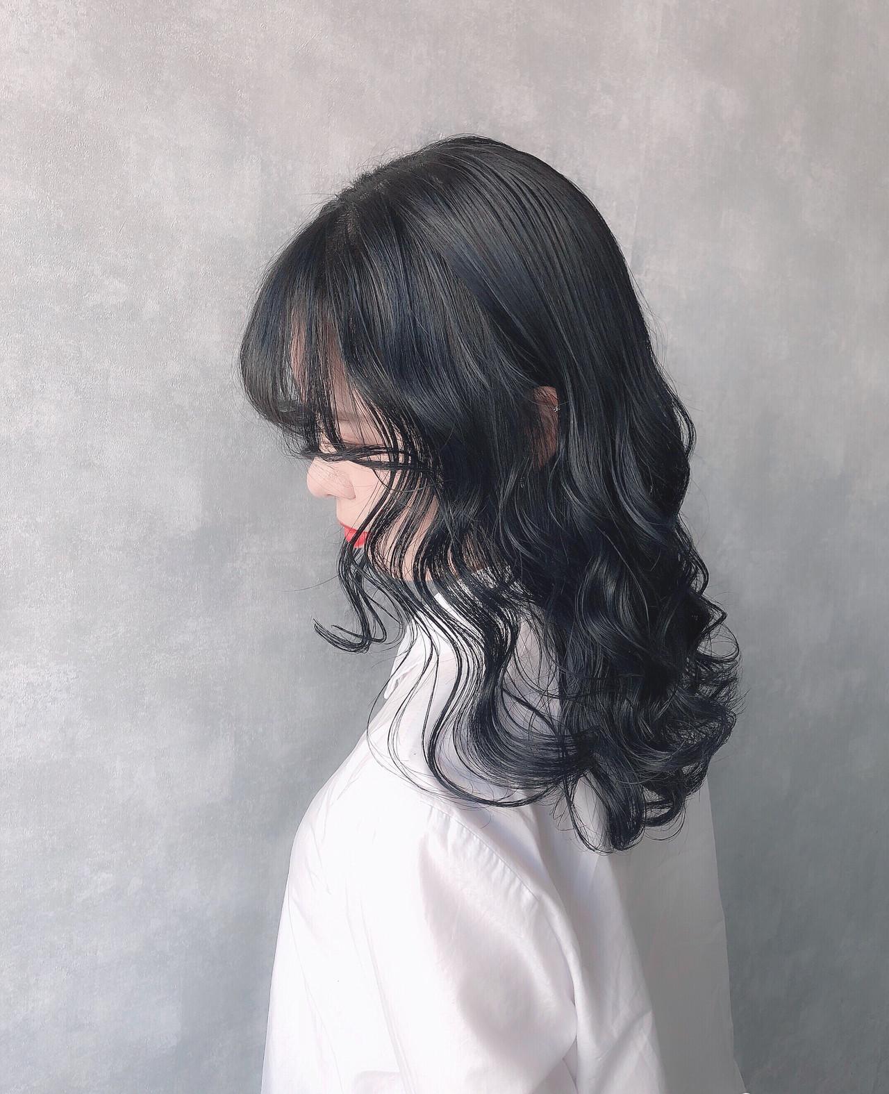 アッシュグレージュ ハイトーンカラー オリーブベージュ ミルクティーベージュ ヘアスタイルや髪型の写真・画像