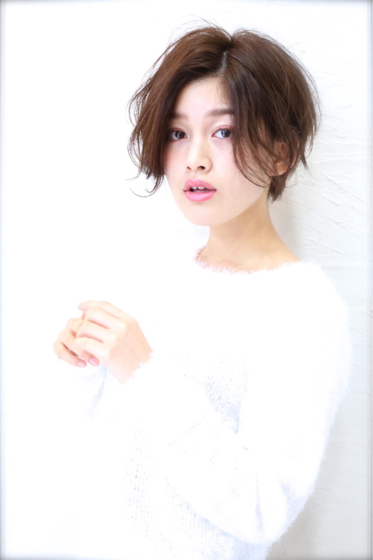 フェミニン パーマ 大人かわいい 小顔 ヘアスタイルや髪型の写真・画像