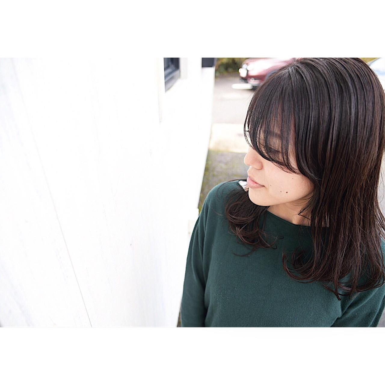 秋 ナチュラル セミロング 暗髪 ヘアスタイルや髪型の写真・画像