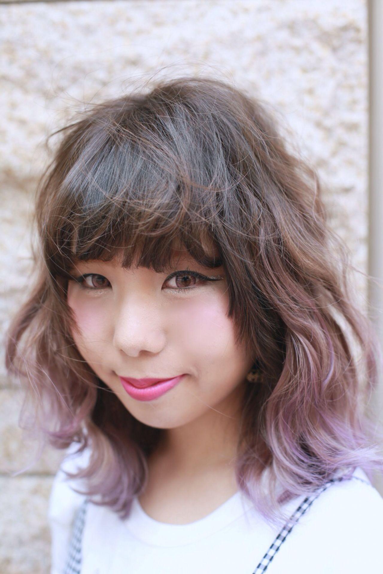 ミディアム グラデーションカラー ヘアスタイルや髪型の写真・画像