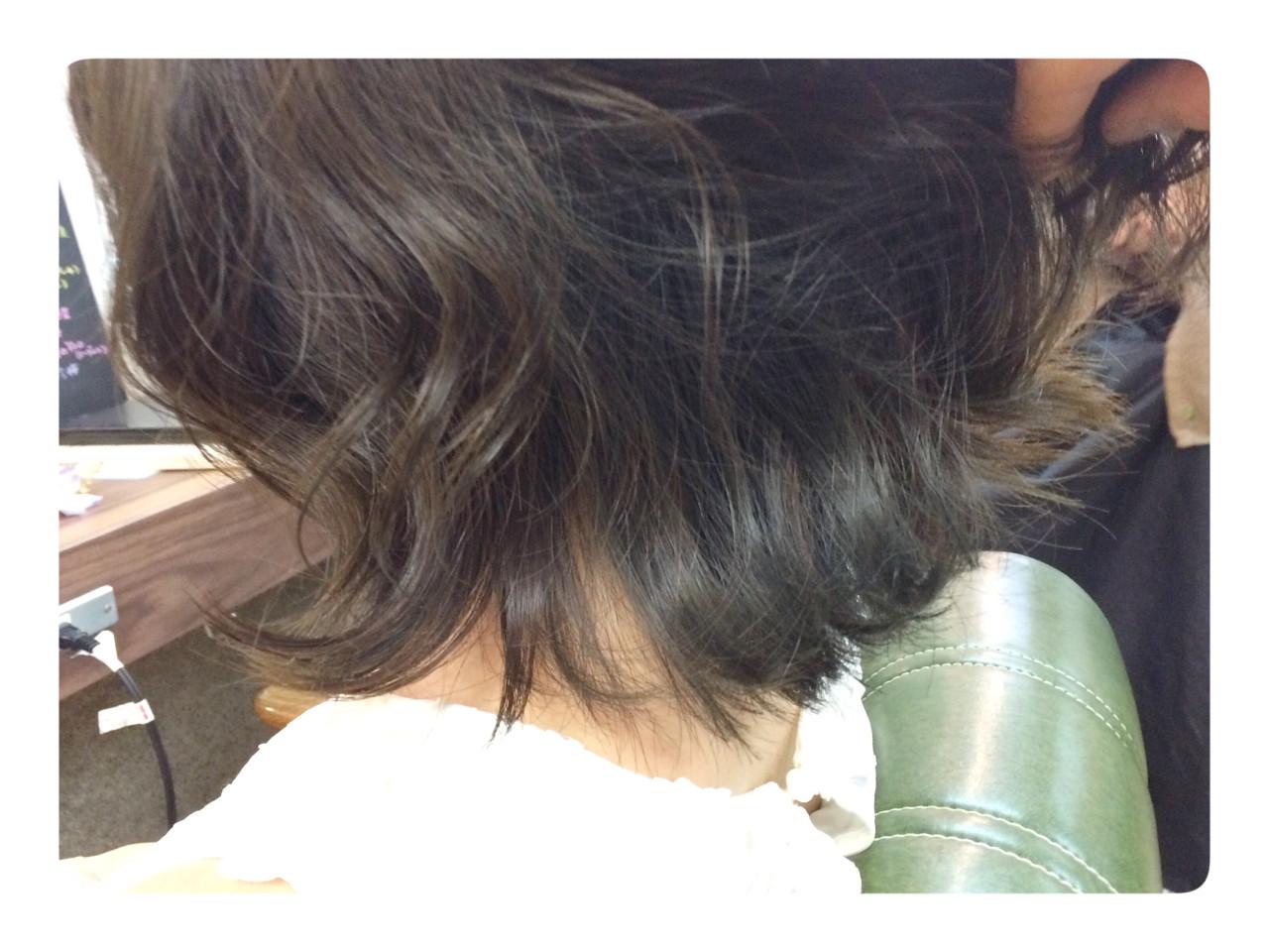 ガーリー インナーカラー アッシュ 暗髪 ヘアスタイルや髪型の写真・画像 | 山本悠平 / hair salon nano