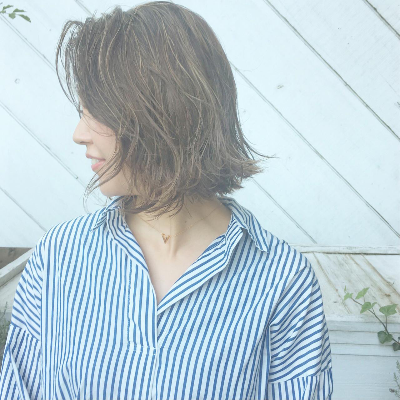 デート パーマ 簡単ヘアアレンジ オフィス ヘアスタイルや髪型の写真・画像