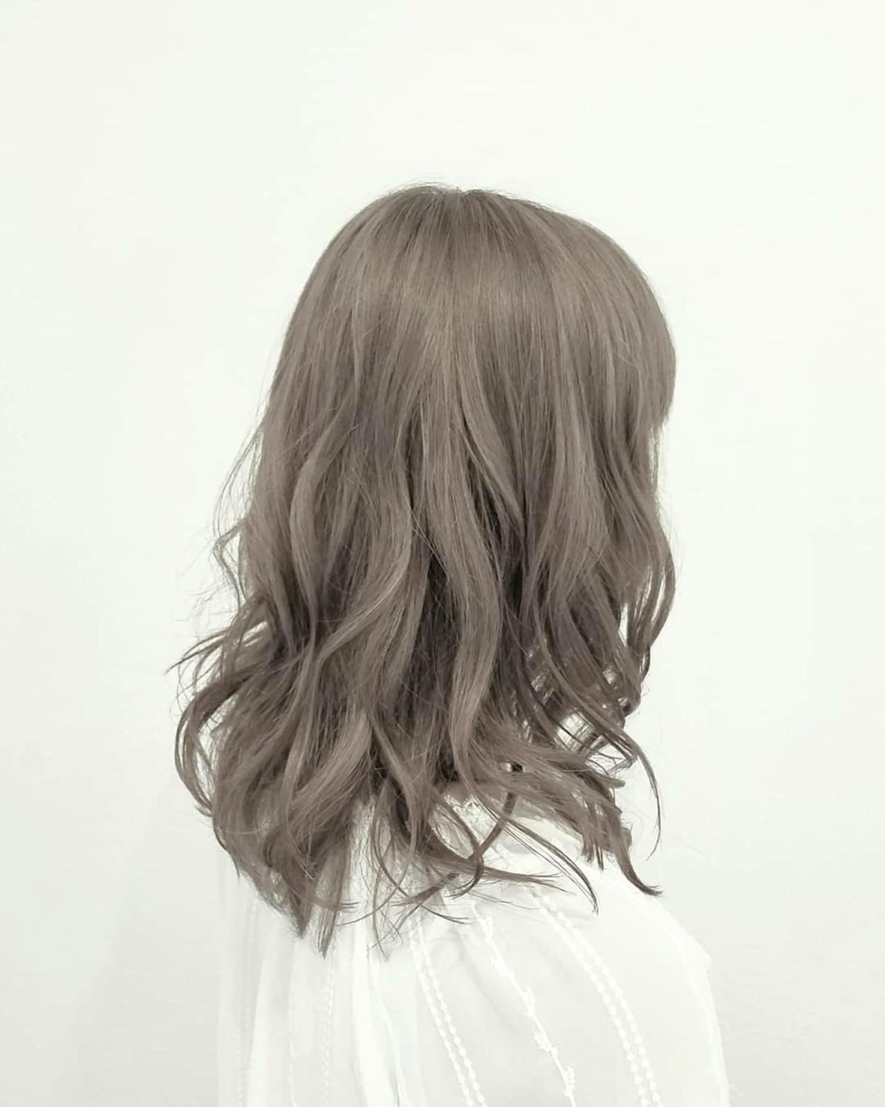 アッシュ ハイライト ハイトーン ミディアム ヘアスタイルや髪型の写真・画像 | 浅原 有輝 / rough