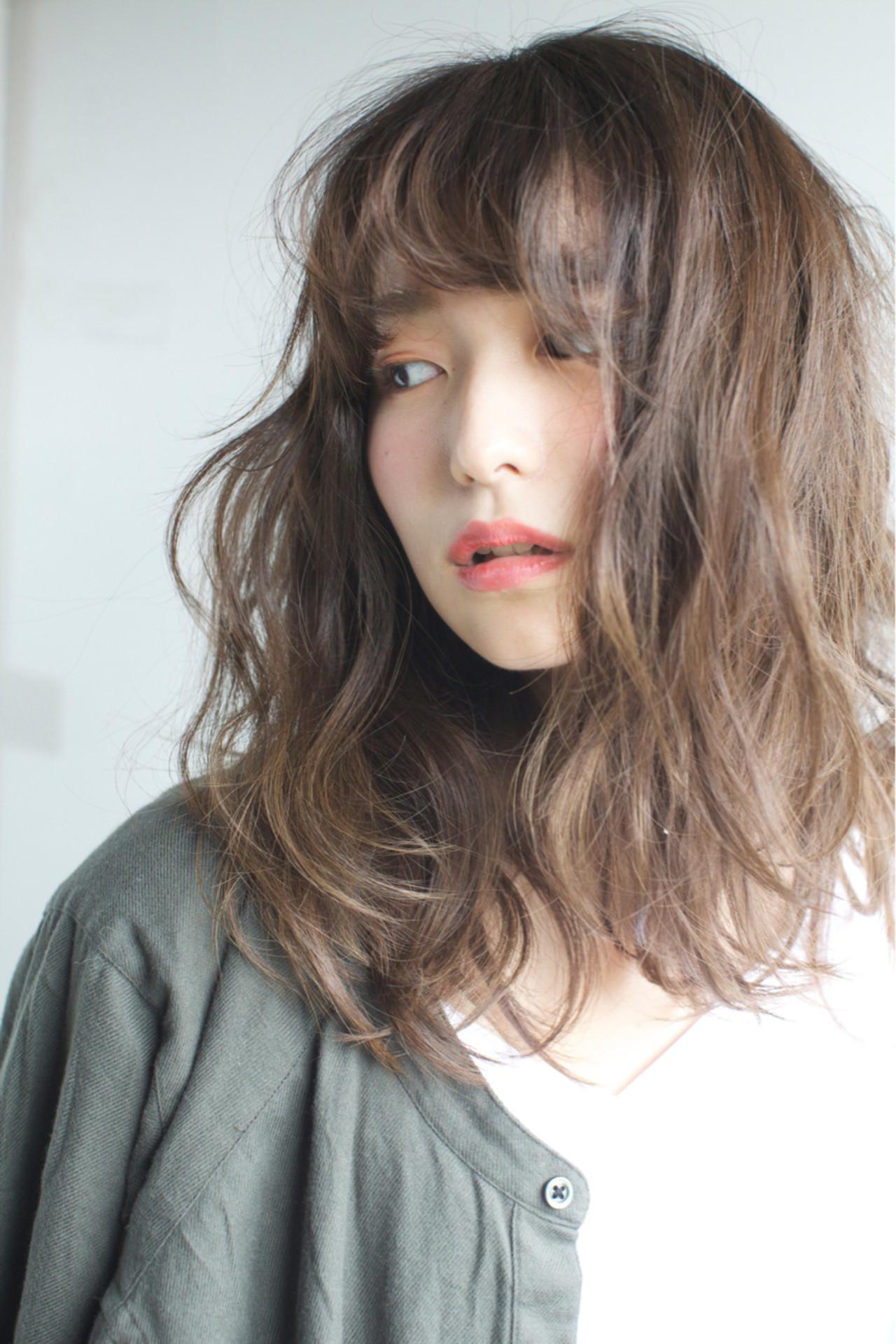外国人風カラー ミディアム ナチュラル ゆるふわ ヘアスタイルや髪型の写真・画像