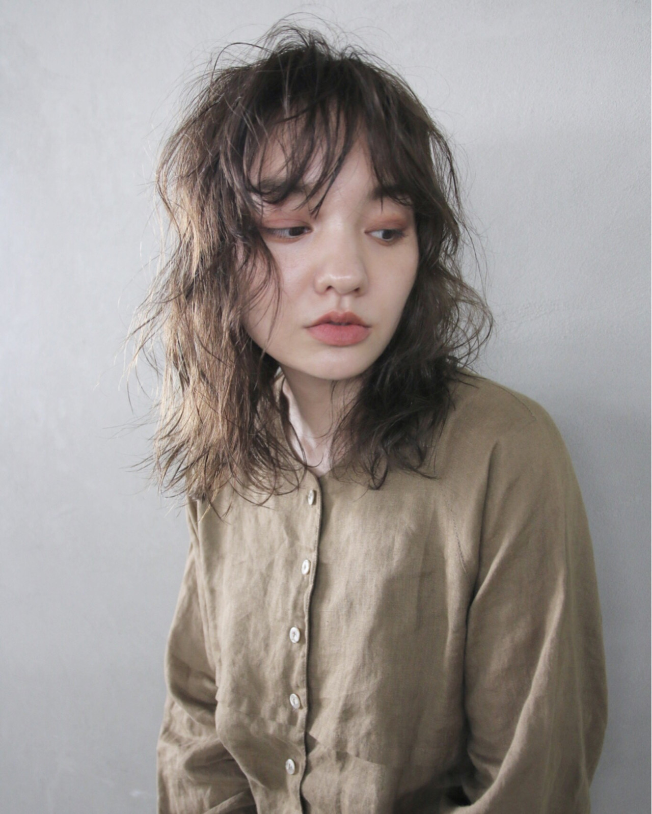 アンニュイ 外国人風 ミディアム ナチュラル ヘアスタイルや髪型の写真・画像