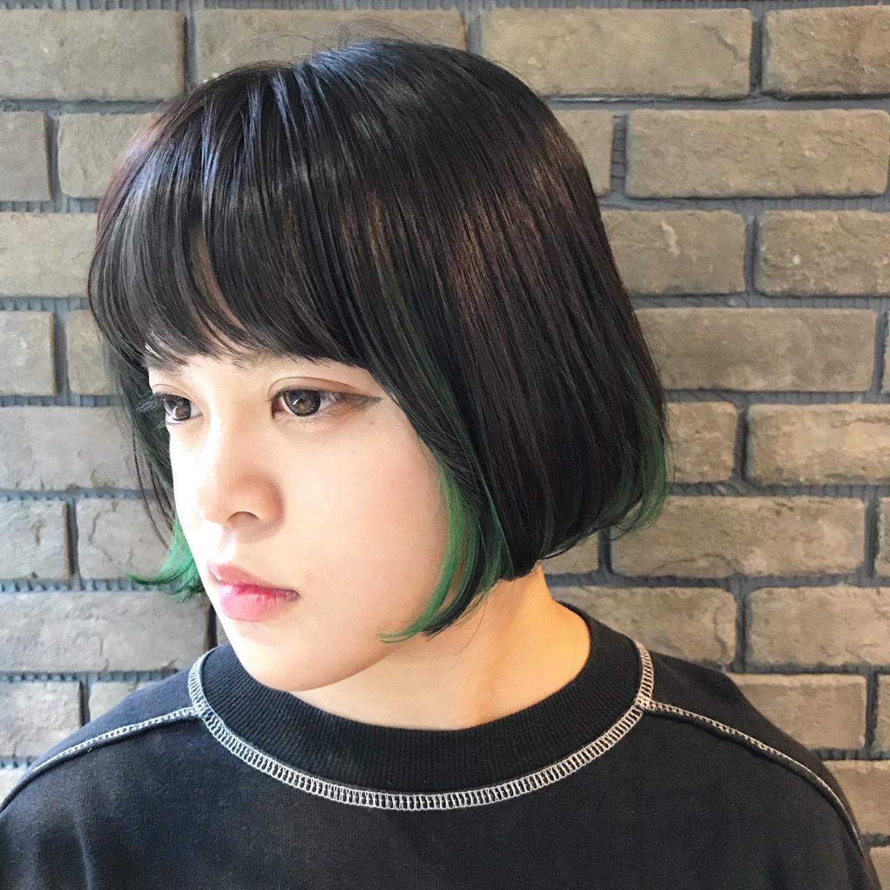 前下がり ストリート ボブ インナーカラー ヘアスタイルや髪型の写真・画像 | 谷川 健太 / ROVERSI