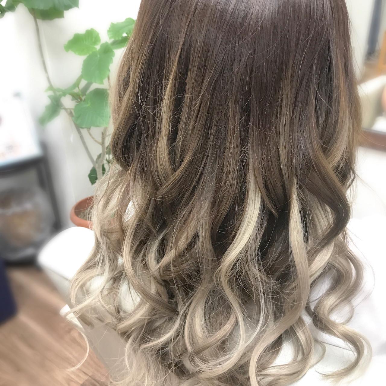 ロング ガーリー エクステ ヘアスタイルや髪型の写真・画像 | yusuke / NINA visioN