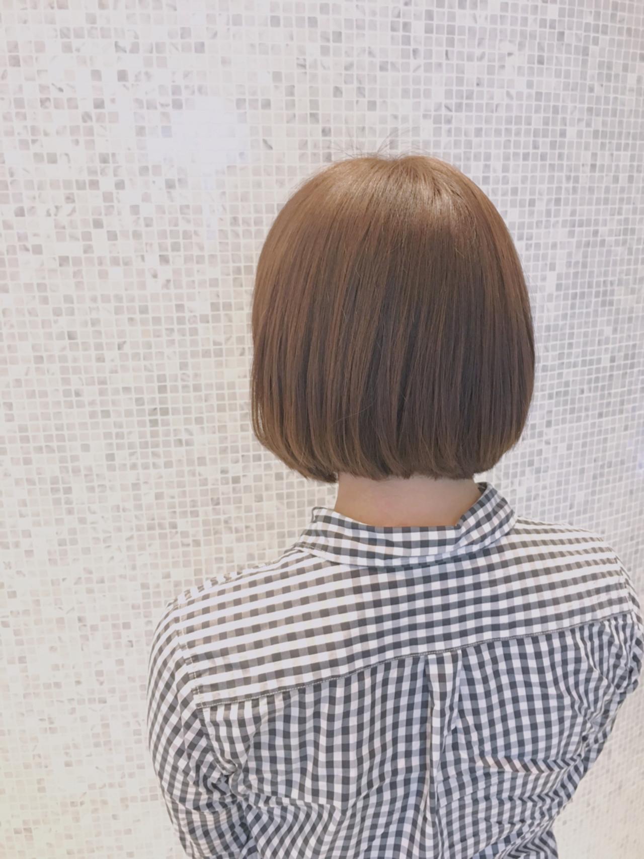 ボブ ベージュ 小顔 アッシュベージュ ヘアスタイルや髪型の写真・画像