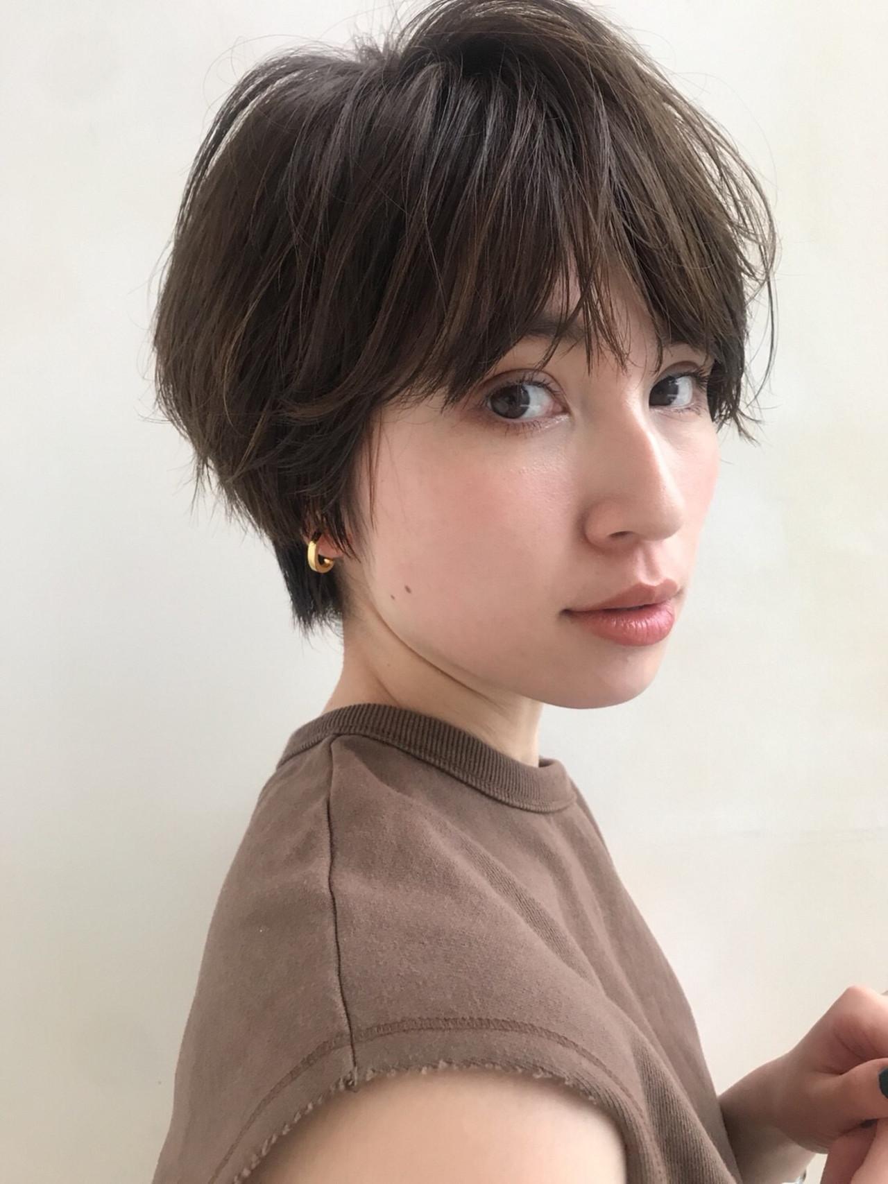 センターパート ナチュラル ハンサムショート ショート ヘアスタイルや髪型の写真・画像 | 菅沼宏恵 /