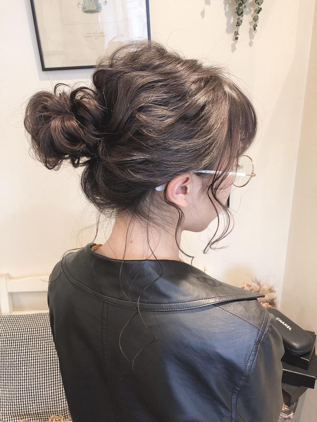 ナチュラル ゆるふわ お団子アレンジ ミディアム ヘアスタイルや髪型の写真・画像