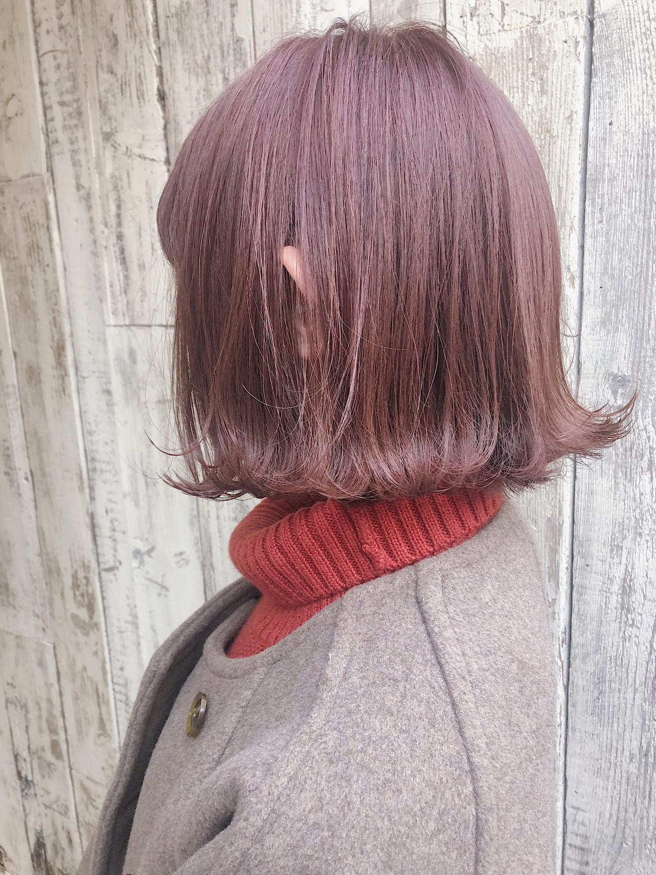 外ハネボブ ピンクカラー ナチュラル ボブ ヘアスタイルや髪型の写真・画像