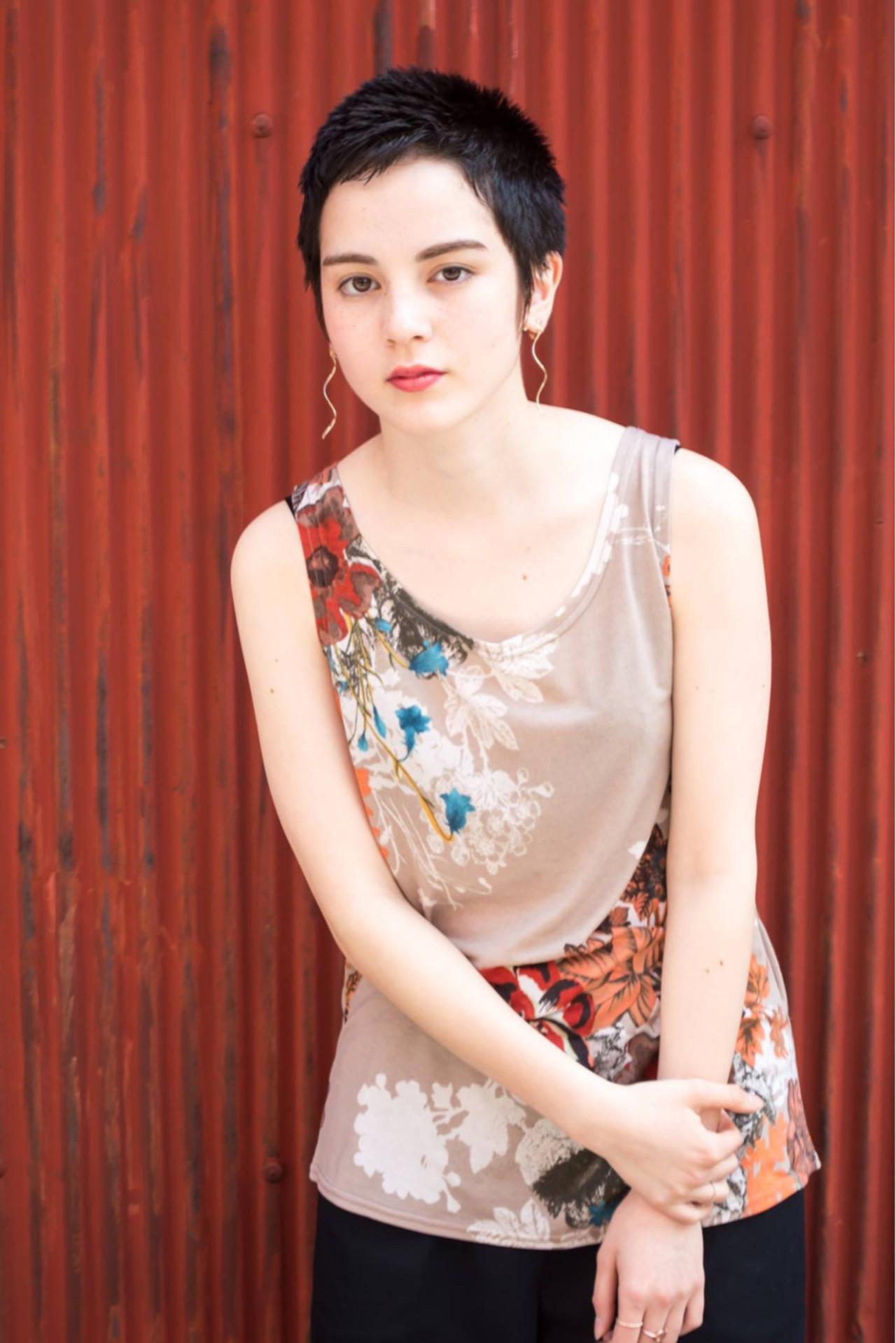 夏 涼しげ ストリート ショート ヘアスタイルや髪型の写真・画像